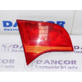 Lampa haion stanga Audi a4 b7 cod: 8E9 945 093