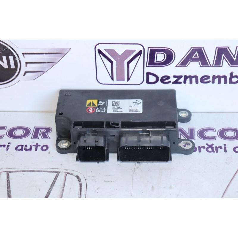 Calculator airbag Opel corsa e 2015 cod: 13597092